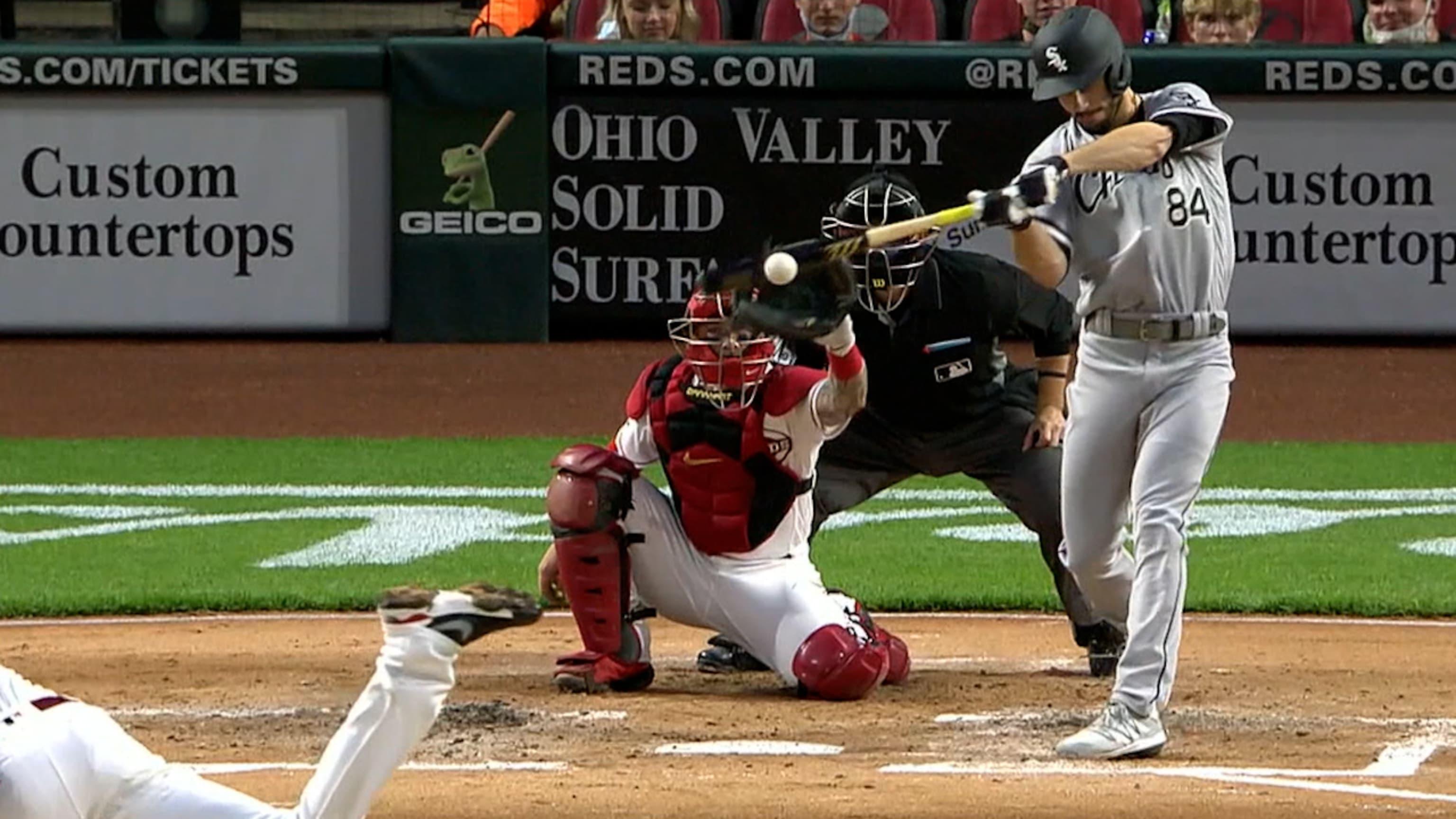 Dylan Cease pega su primer hit en MLB