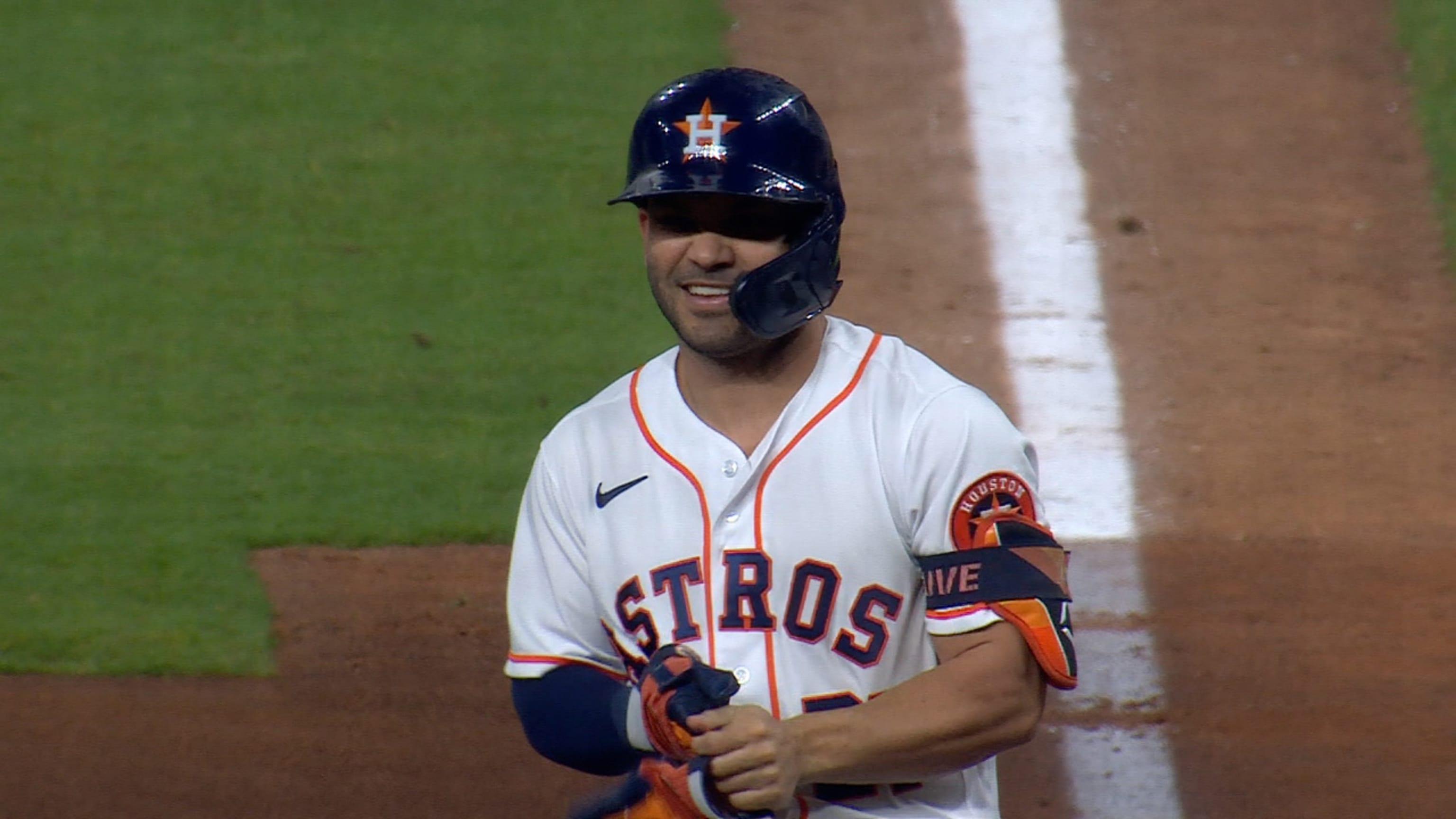 José Altuve acumula 4 hits