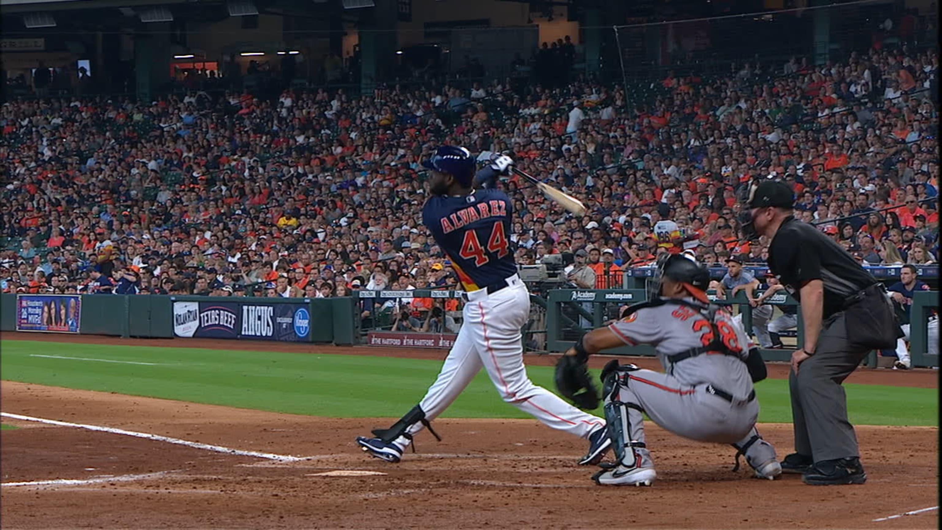1er hit y HR de Álvarez en MLB