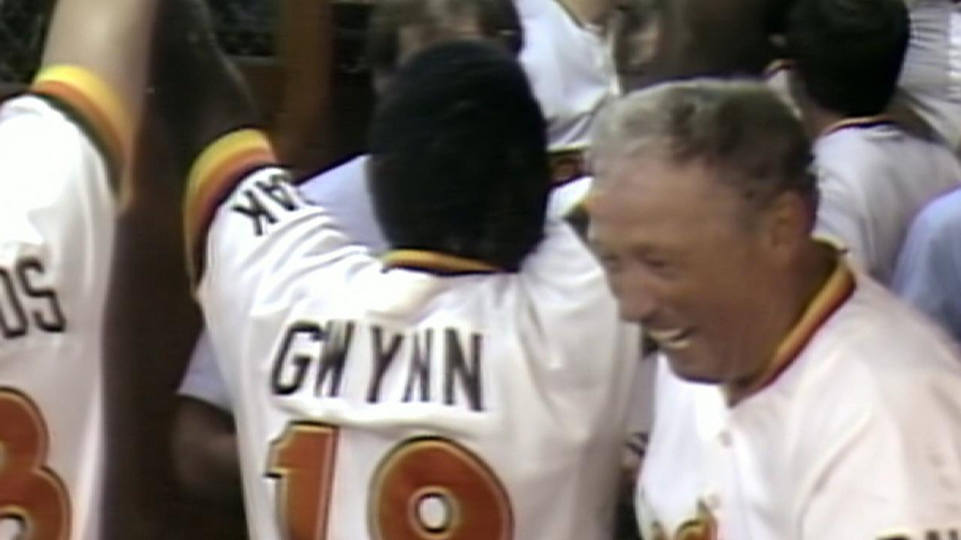 Tony Gwynn breaks out in 1984