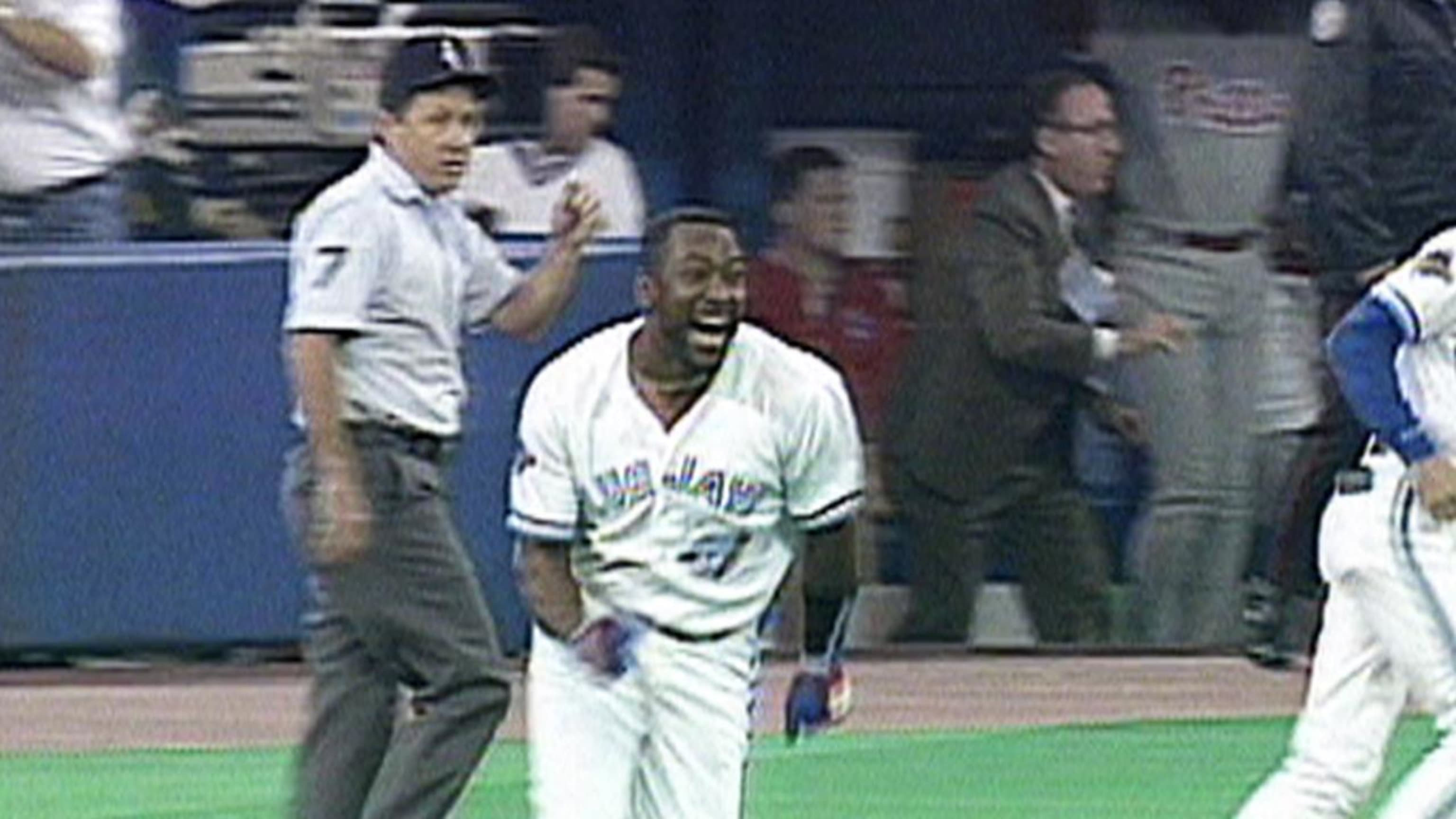 Joe Carter wins the '93 Series
