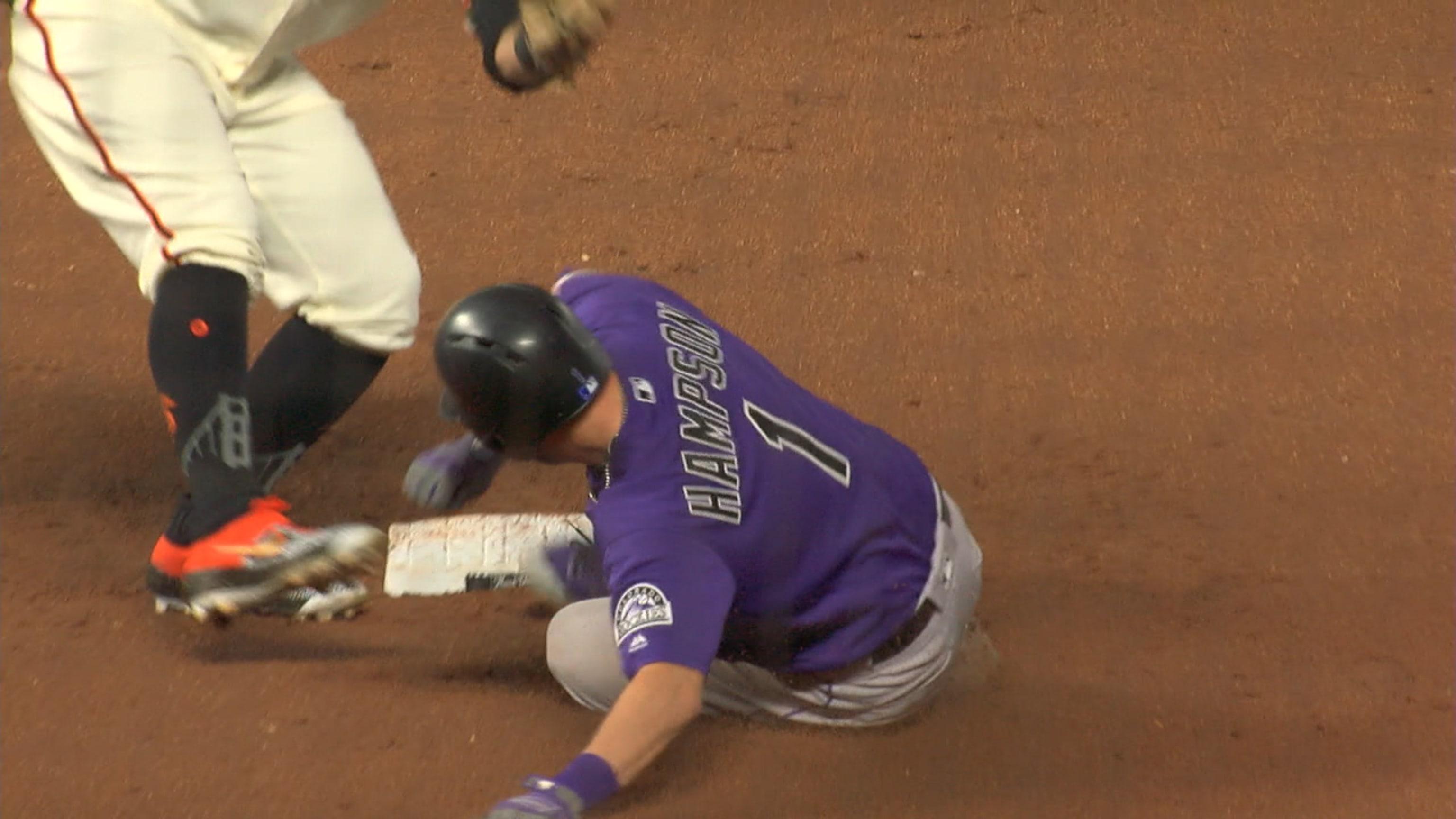 Hampson se roba la segunda base
