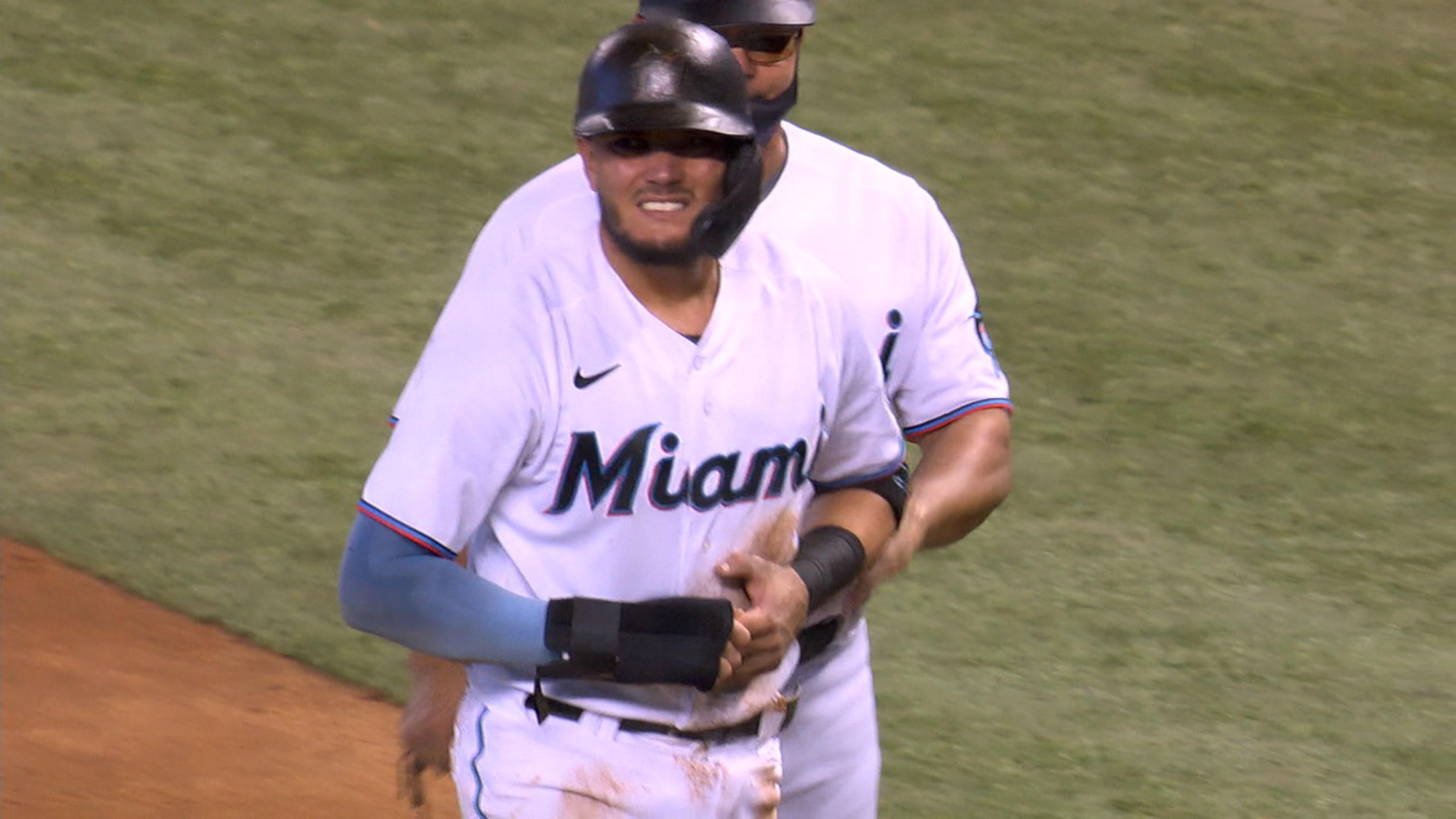 Miguel Rojas sale lesionado