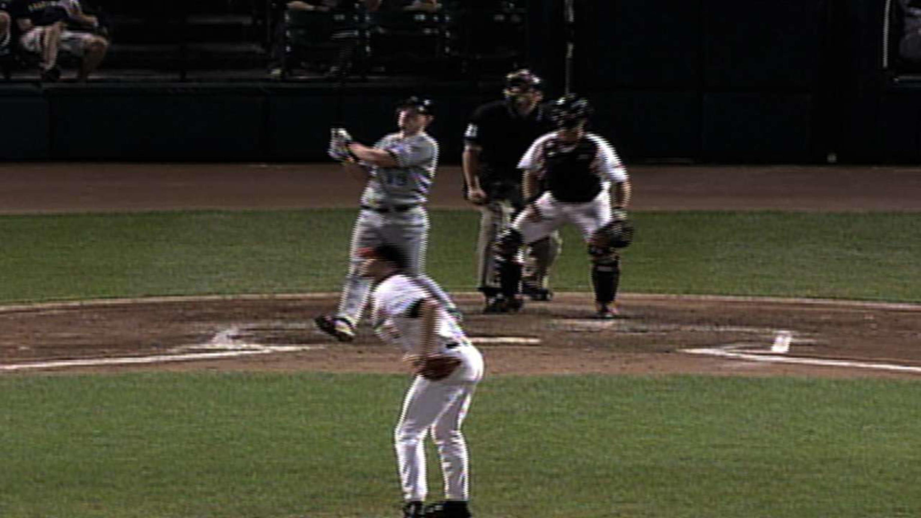 Huff's two-run home run