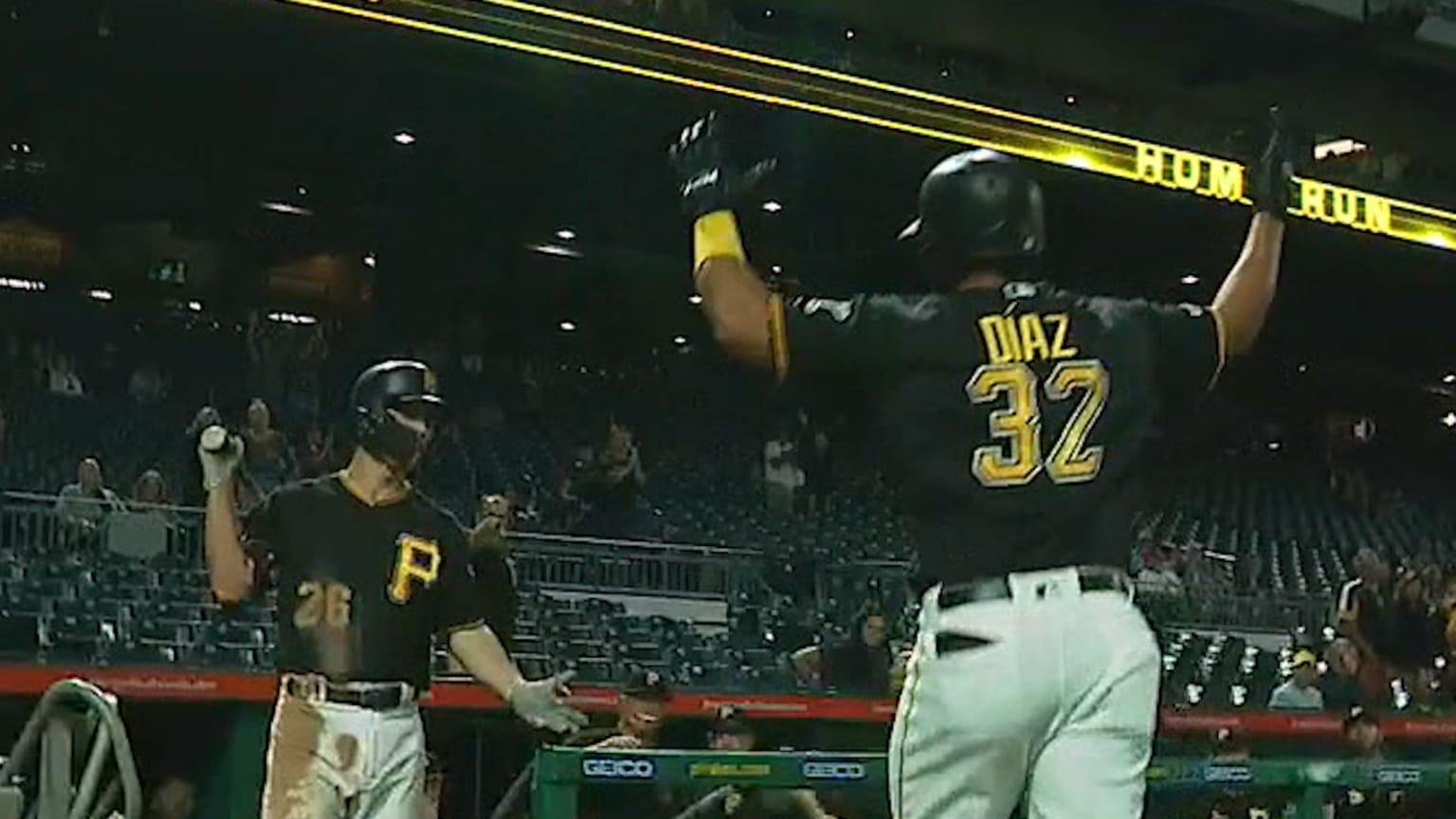 Diaz's Opposite-field Jack In 9th