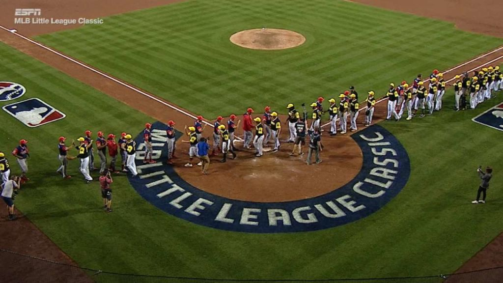 History Made In First Little League Classic Mlbcom