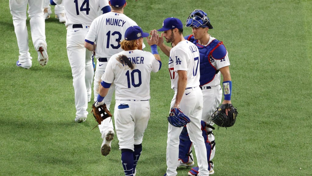 Why is Justin Turner's jersey stained