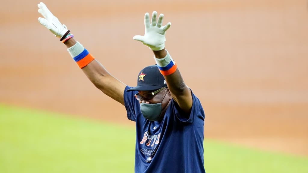 Astros Set Opening Day Roster Pen Up In Air