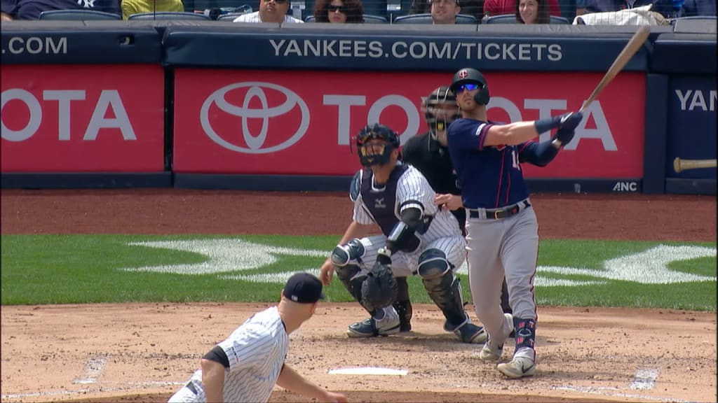 Twins blast 3 homers in Bronx to top Yankees