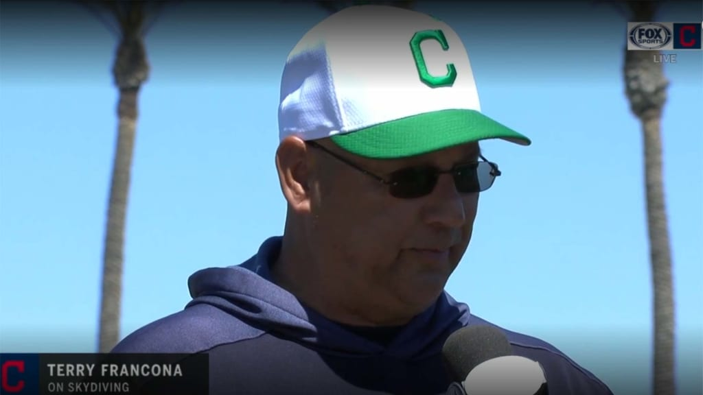 Terry Francona goes skydiving | Cleveland Indians