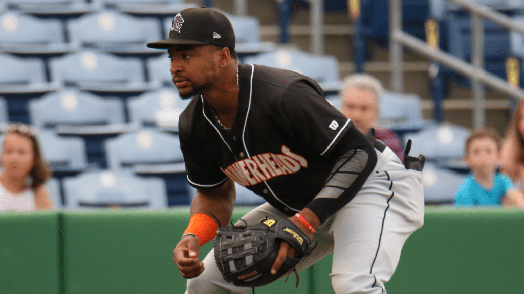 Yankees trade Tarpley to Marlins for third base prospect