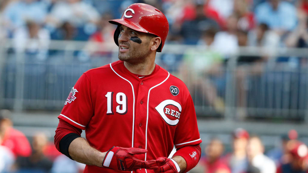 Joey Votto sits with lower back tightness