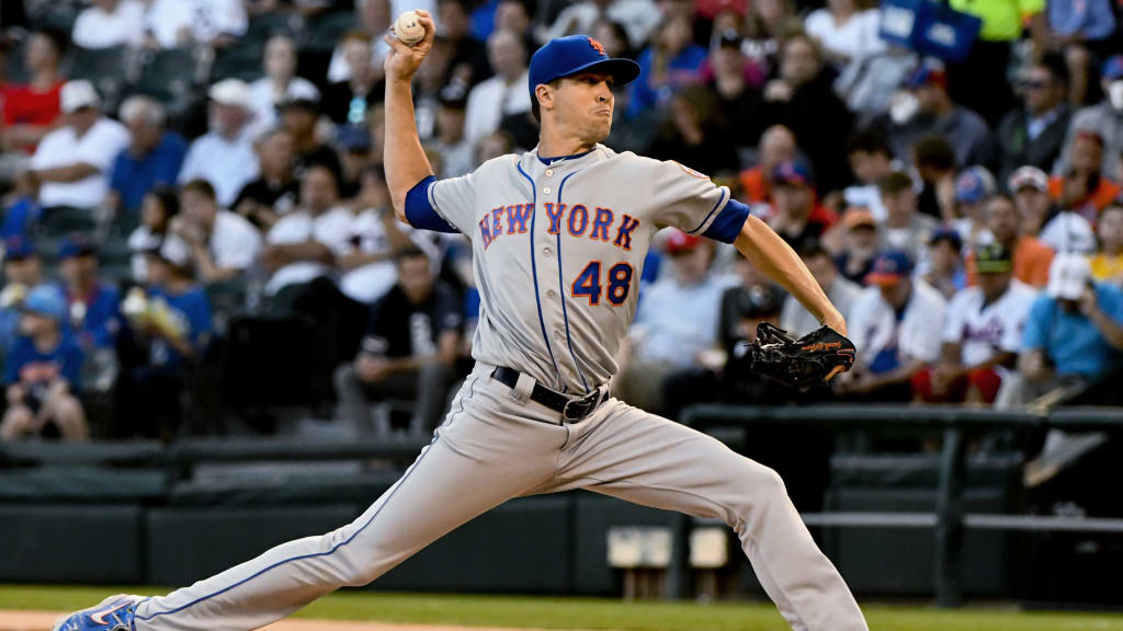 Mets win 6th straight behind strong deGrom start
