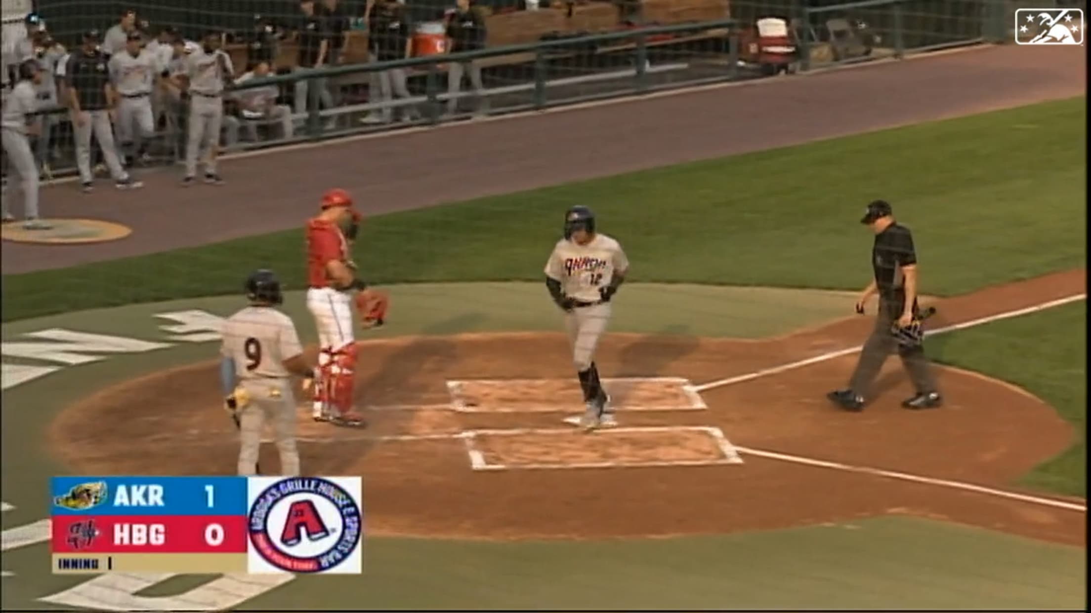 Naylor homers in third straight