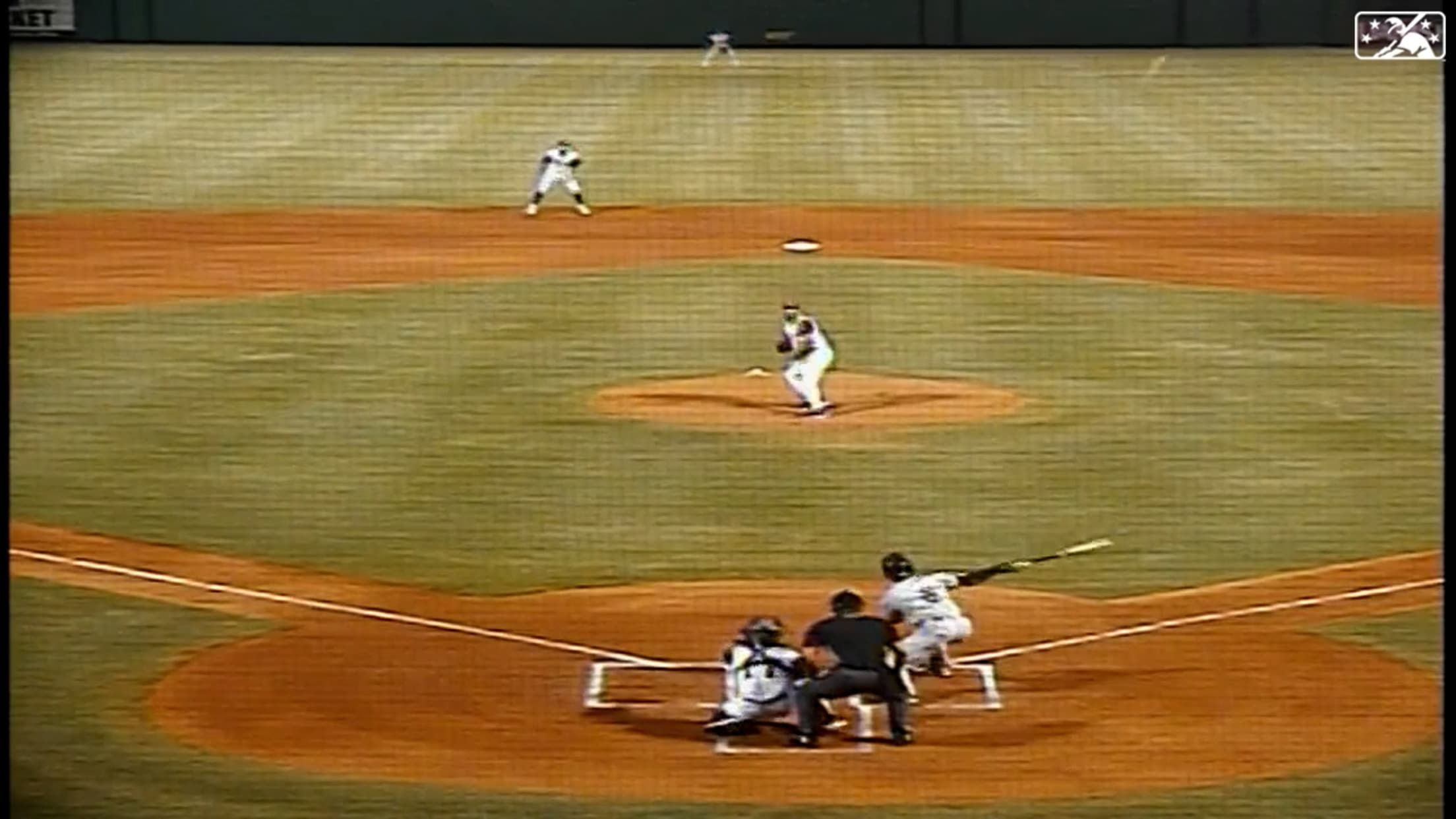 Melendez hits another home run