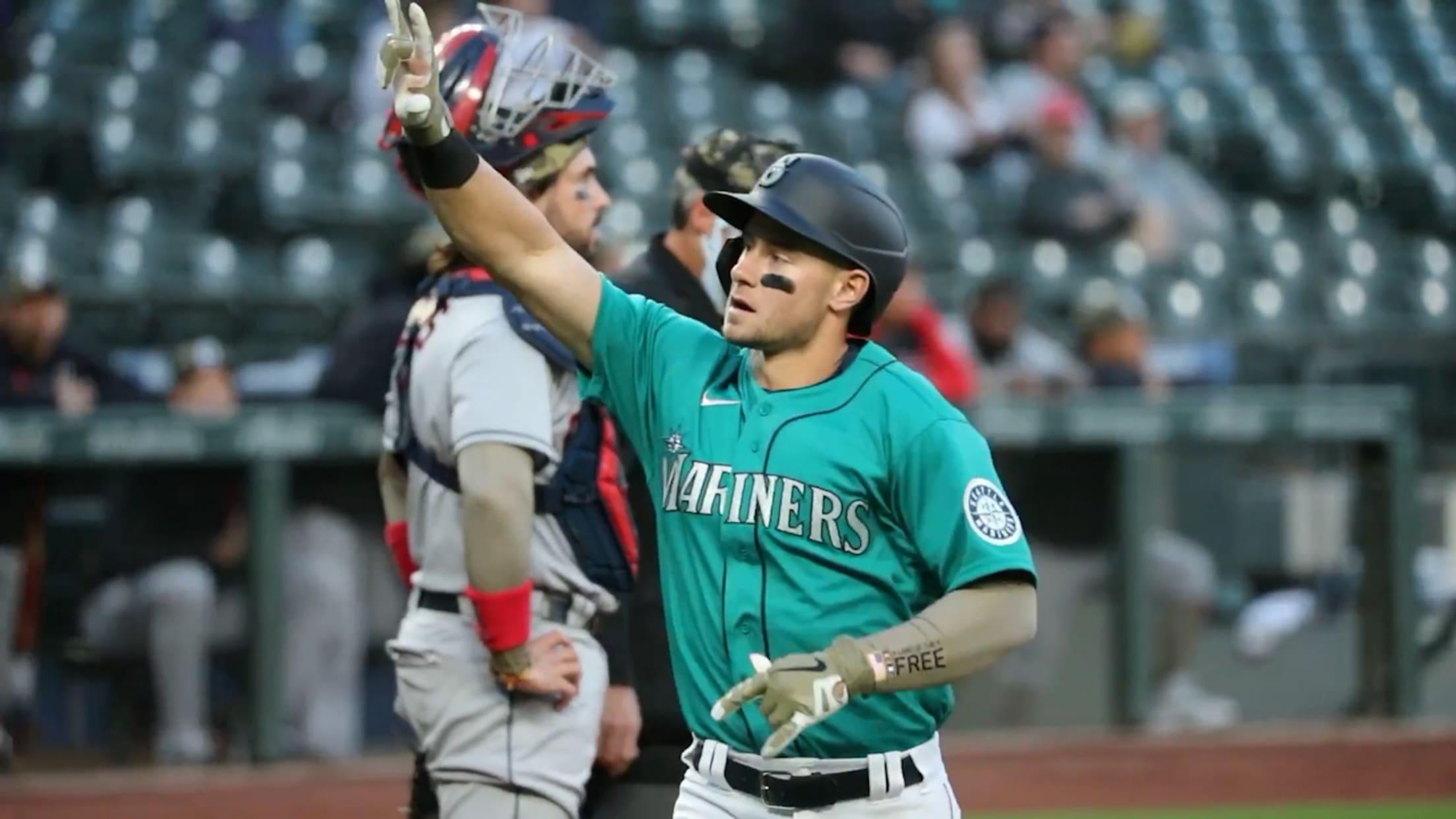 Kelenic hits HR for first MLB hit