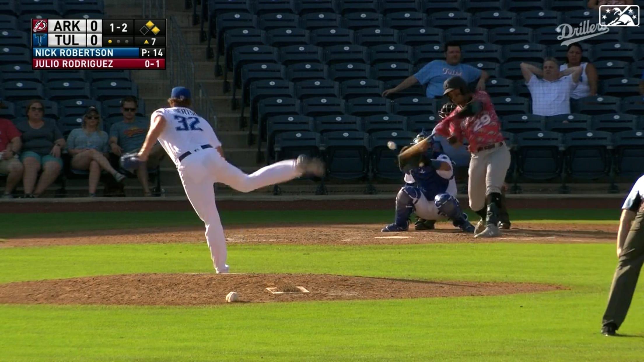 Rodríguez rips first Double-A HR