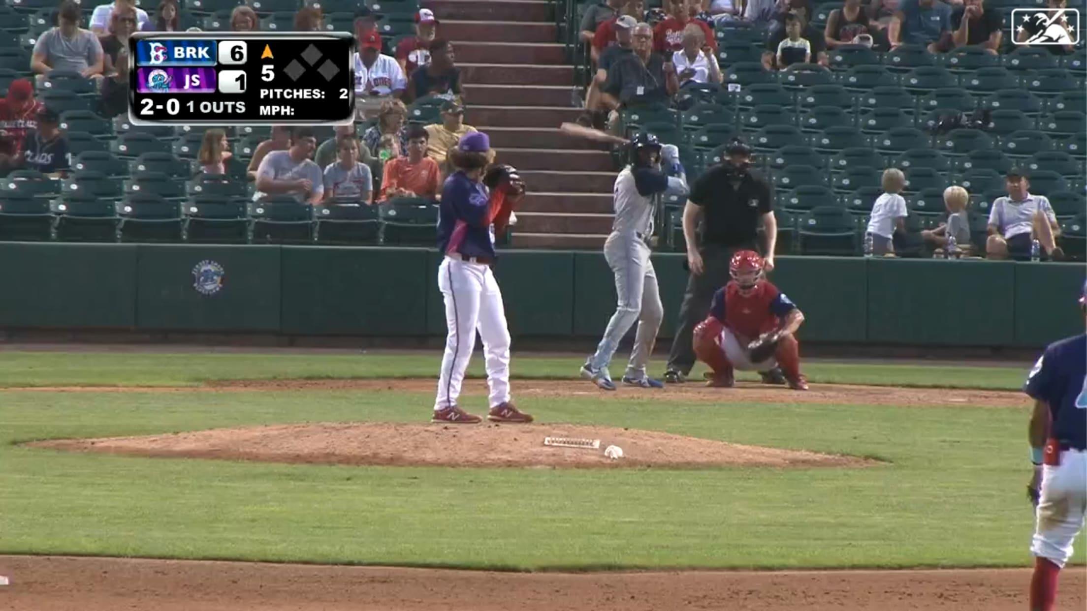 Mauricio launches 12th home run