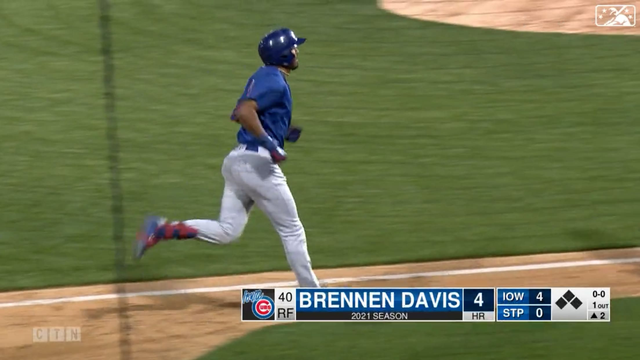 Davis belts three-run homer