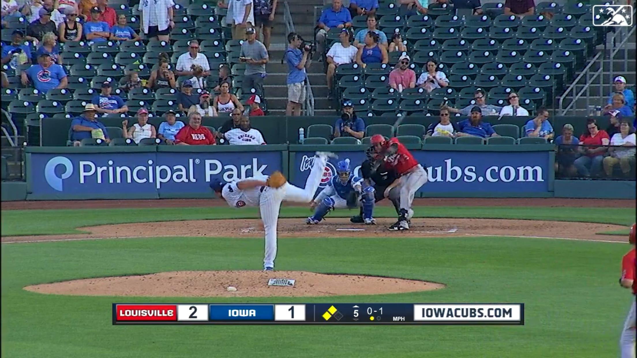 Barrero hits a three-run homer