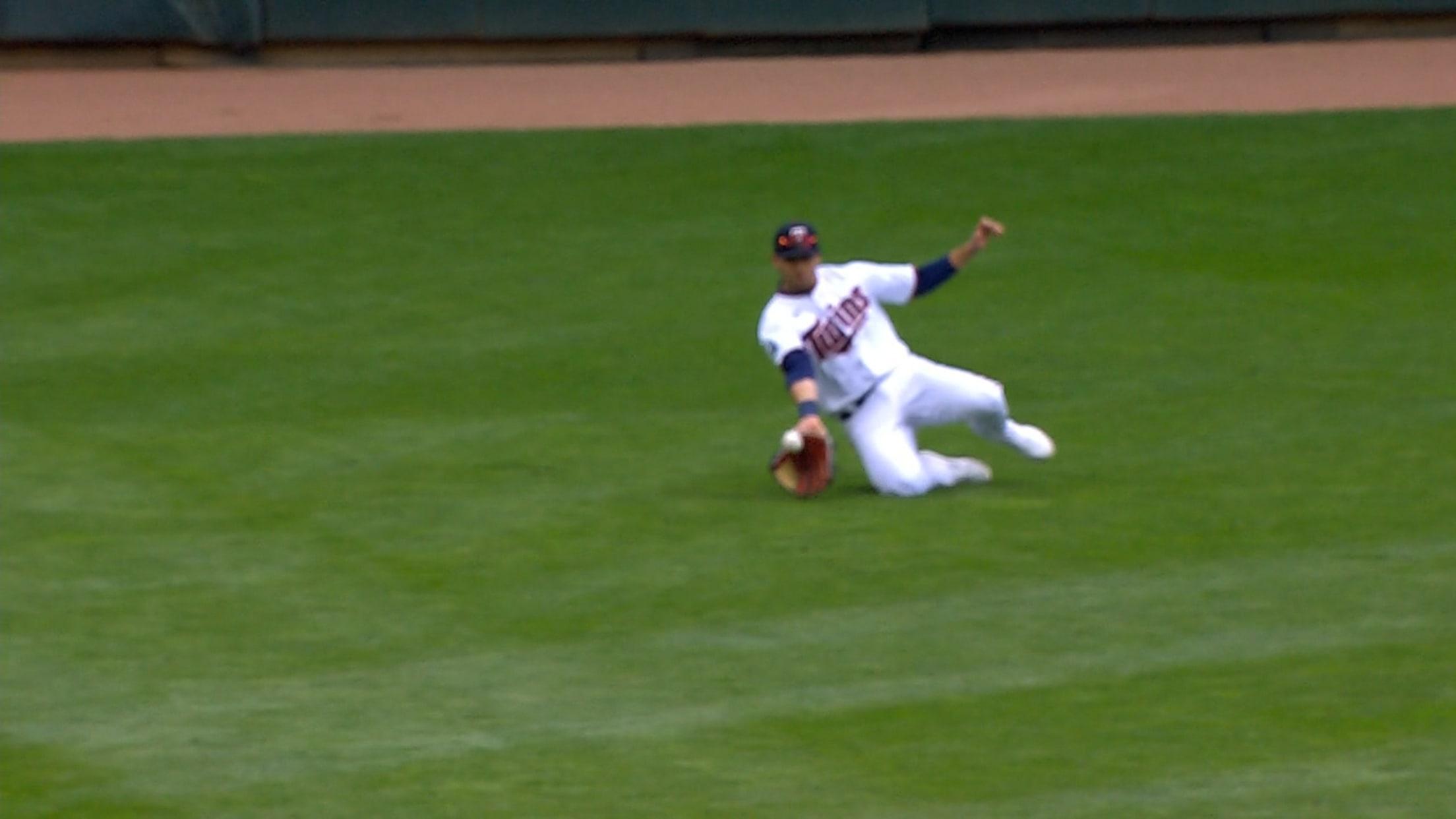 Alex Kirilloff's sliding catch