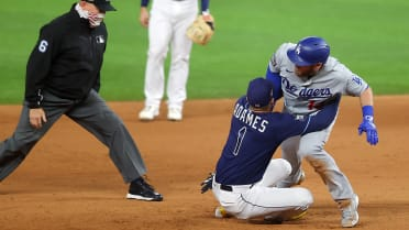 Hug(e) out? Play at 2nd base invites 'what if?'