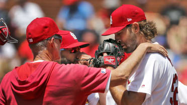 Cardinals' skid continues in Game 1 rout