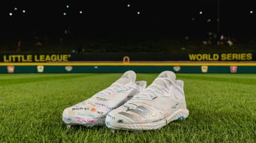 aaron-judge-cleats-082219