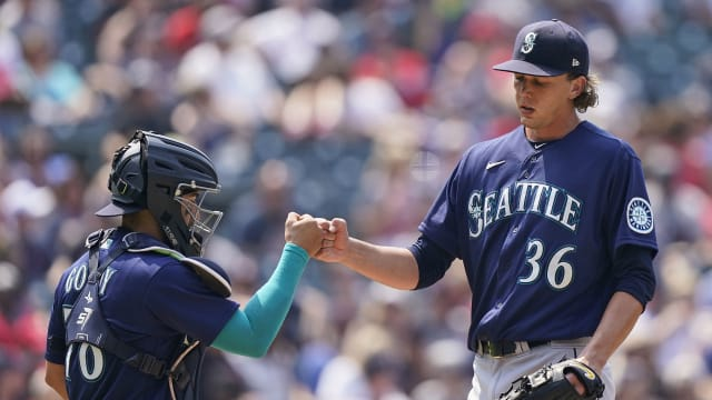 Gilbert wows in matchup with Indians' ace