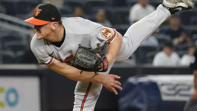 30-year-old Knight makes MLB debut for O's