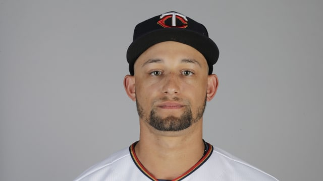 Top prospect Lewis among Twins' roster moves