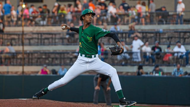 Latest on Marlins' top prospects in Minors