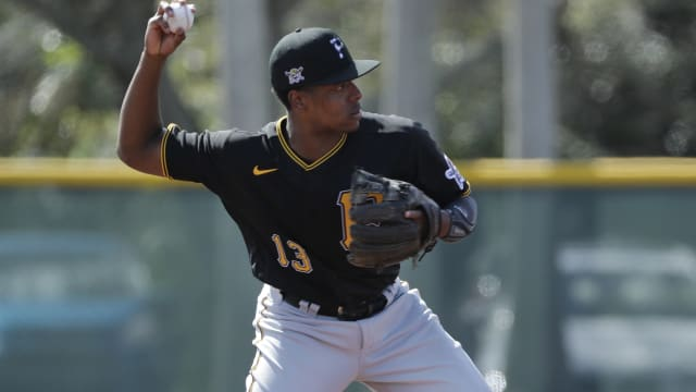 Prospect Hayes not yet in Bucs' plans at 3B