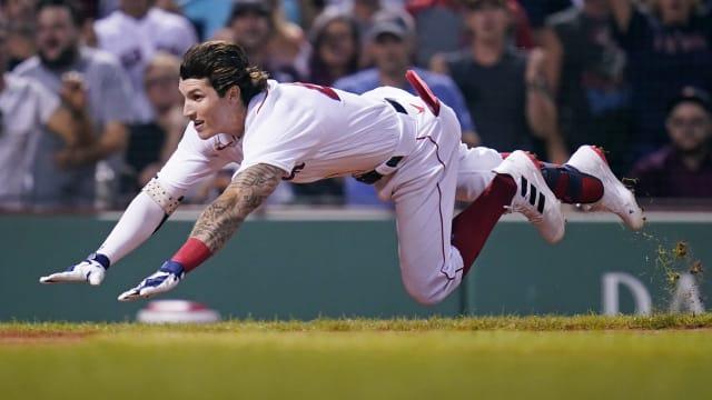 Duran shows off wheels, helps Sox split DH