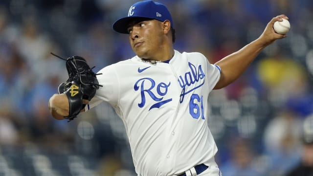 'Terrific' Zerpa impresses in crisp MLB debut