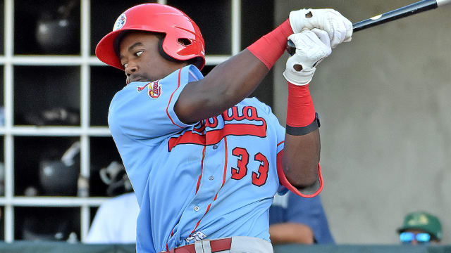 Walker continues raking for High-A Peoria
