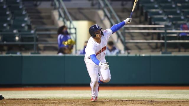 Álvarez collects 3 hits, season-high 4 RBIs