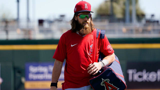 Marsh on mend, nearing return to outfield