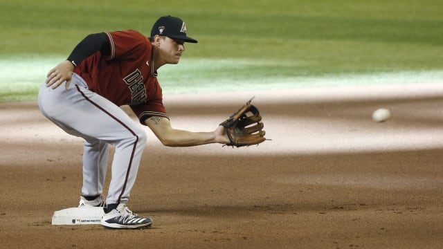 D-backs tab Andy Young for utility role