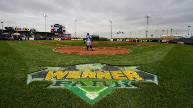 Royals invite four '21 Minors affiliates