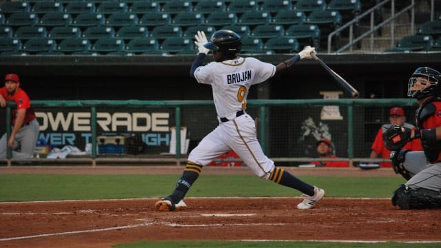 Prospect Bruján to join Rays taxi squad to DC