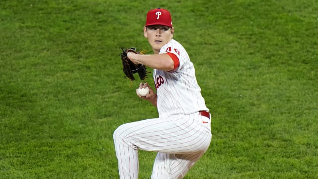 Howard leads Phillies past Nats for 1st 'W'