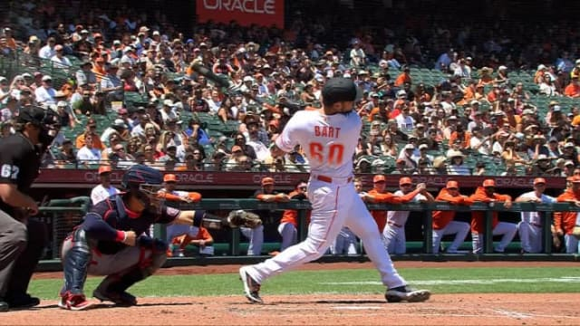 Bart joins the fun in Giants' romp over Nats