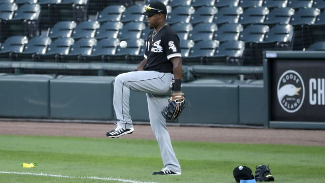 Notes: Giants acquire Basabe; roster moves