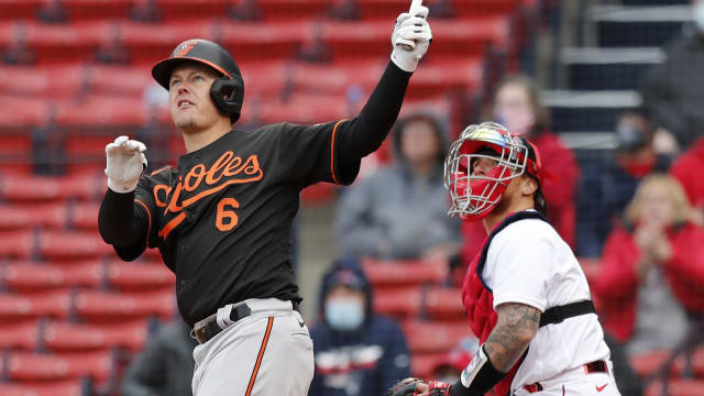 Mountcastle lifts O's in 1st big league opener