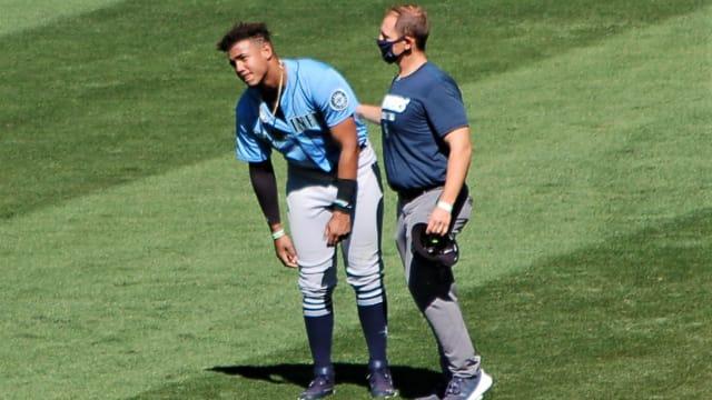 Prospect Julio Rodriguez fractures left wrist