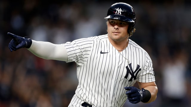 Yanks eclipse Sox in AL WC: 'Long way to go'