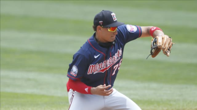 Twins' No. 1 prospect Lewis has ACL tear