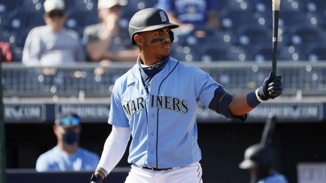 Notes: Prospects rise in rankings; DH plans
