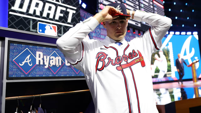 Braves sign 1st-rounder Cusick, 20 others